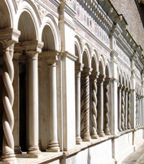 Solomonic column