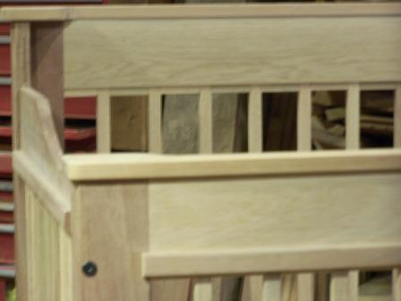 oak,mahogany crib