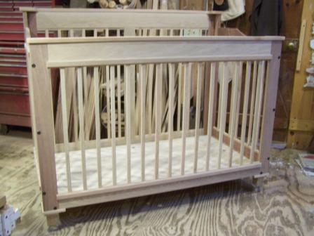 oak,mahogany crib